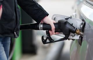 Ceny paliw na stacjach są ekstremalnie zawyżone. Muszą spaść