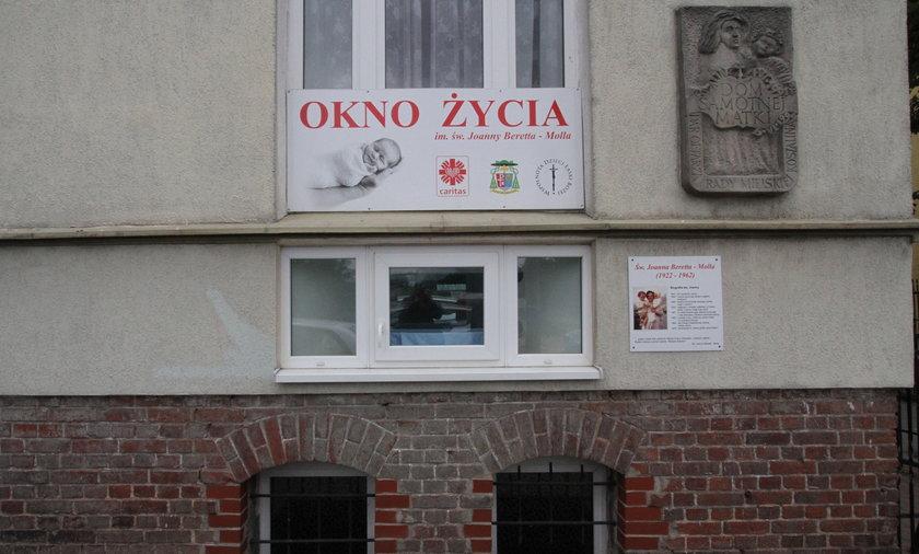 Okno życia w Koszalinie. Zdjęcie ilustracyjne.