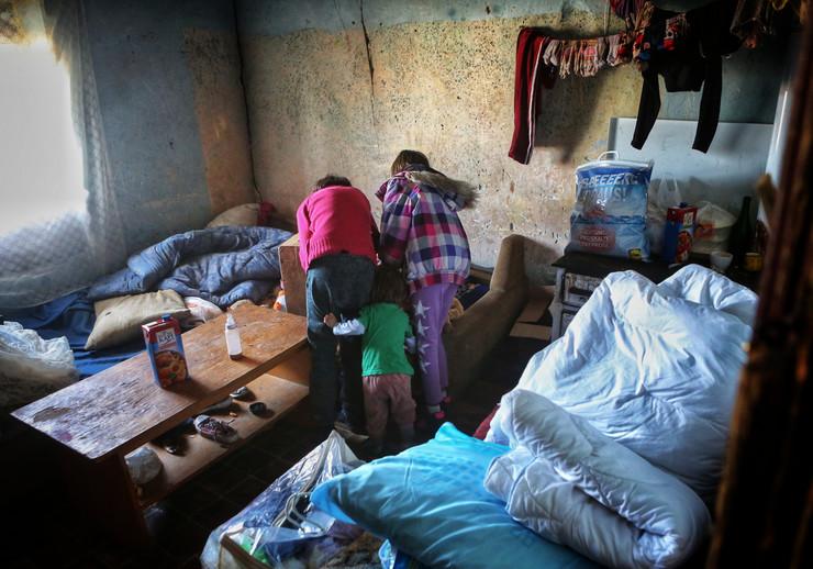 Alibunar šestoro dece koje su napustili roditelji Srce za decu