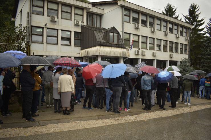 radnici fabrike milan blagojevic pred sudom u ivanjici 2