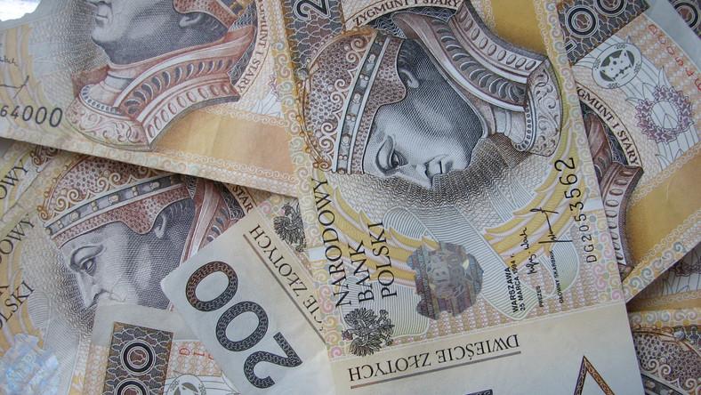 Rząd musi pożyczyć 200 miliardów złotych