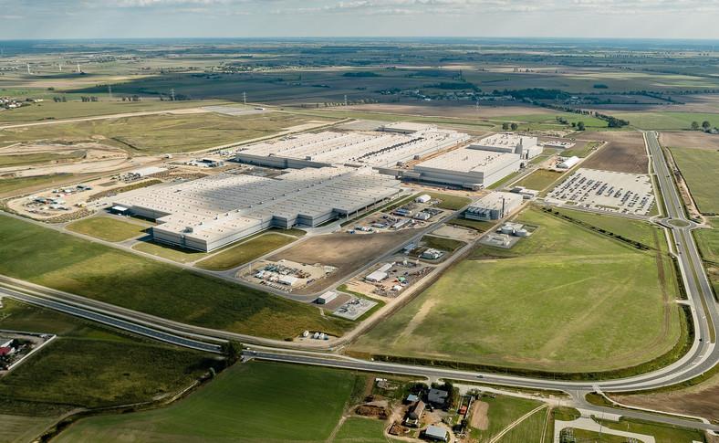 Pod budowę fabryki zakupiono grunt o powierzchni ponad 220 hektarów