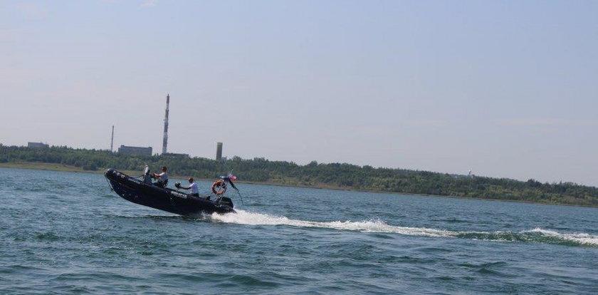 22-latek chciał ratować kolegę i sam zniknął pod wodą. Szukają ciała
