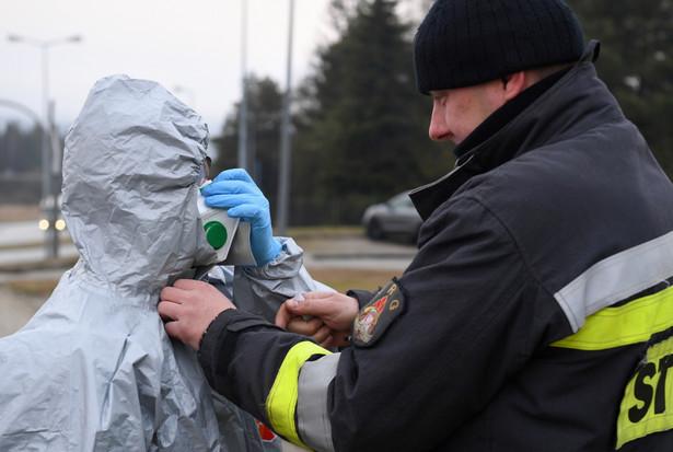 Wczoraj premier Mateusz Morawiecki i minister zdrowia Łukasz Szumowski po raz kolejny zaostrzyli reżim epidemiczny. – Jeśli nie ograniczymy kontaktów międzyludzkich do maksimum, nie uratujemy ludzkich żyć – tłumaczył Szumowski.