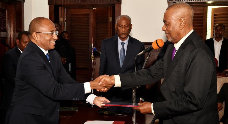 Zanzibar President Hussein Ali Mwinyi and Maalim Seif Sharif. Zanzibar's first Vice President Maalim Seif Sharif is Dead, Maguifuli and Mwinyi Mourns