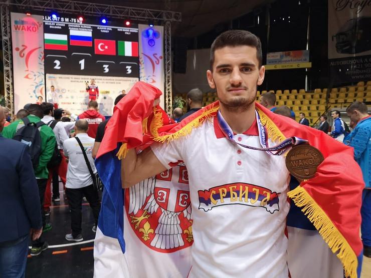 Novak Radulovic kik bokser iz Nisa osvojio bronzanu medalju na prvenstvu Evrope