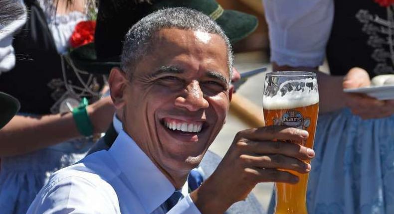 ___4323581___https:______static.pulse.com.gh___webservice___escenic___binary___4323581___2015___11___4___0___President+Barack+Obama+beer