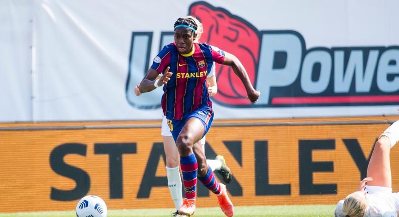 Super Falcons of Nigeria striker, Asisat Oshoala  in action for Barcelona against Manchester City in the Women's Champions League. [Twitter/@FCBfemeni]