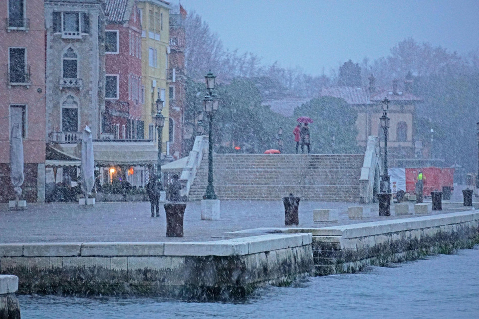 ITALY WEATHER SNOW (Snow in Venice)