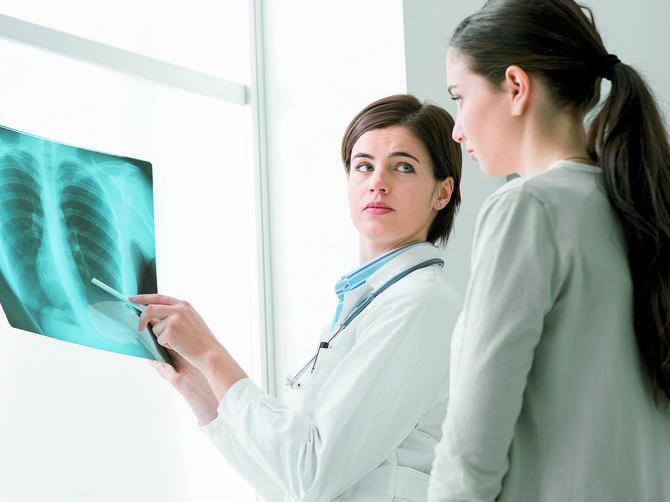 Žene sve češće pate od bolesti NEPOZNATOG UZROKA: Simptomi deluju kao OBIČNA PREHLADA, zato obavezno morate da uradite OVU STVAR