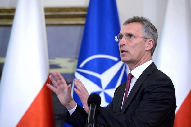 Mówiąc o obronie i odstraszaniu Stoltenberg podkreślił, że Sojusz intensywniej ćwiczy, opracował szczegółowe plany obrony, usprawnił proces podejmowania decyzji