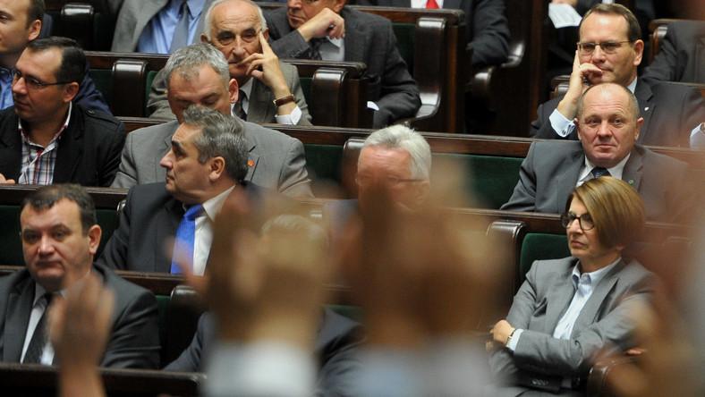 PiS jak partia lewicowa, a Twój Ruch jak Samoobrona? Politolog o pracy posłów