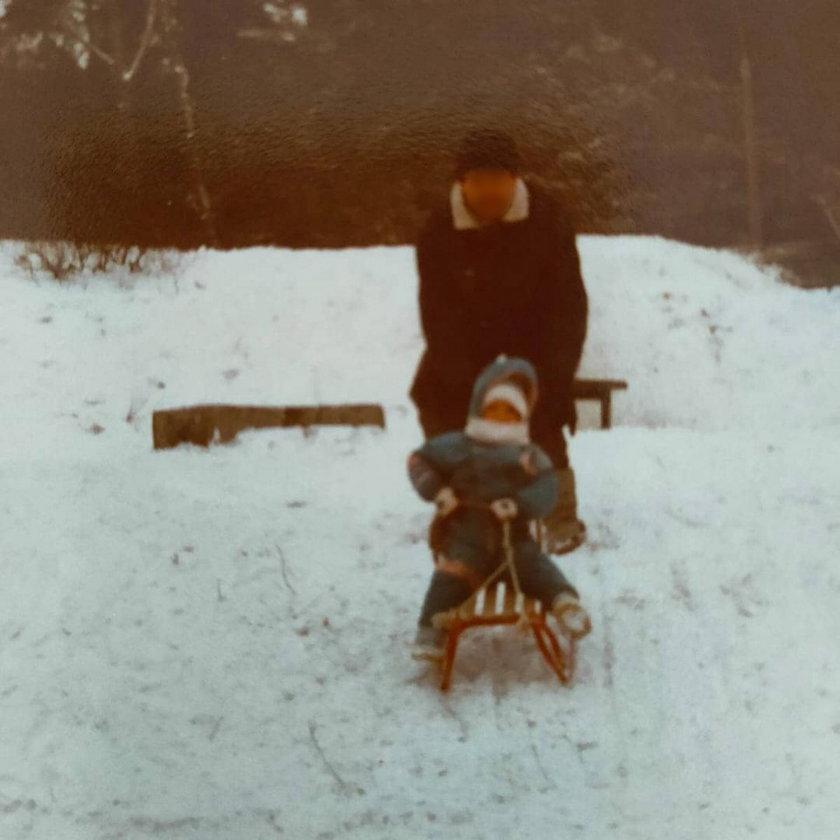 Dominika Gwit pokazała zdjęcia z dzieciństwa. Przypomniała sobie o pewnej aktywności na śniegu