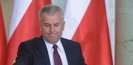 """""""To mafia"""" - okrutnie drwią z byłego ministra sprawiedliwości"""