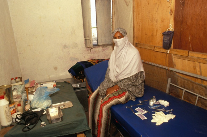 Sestra koja radi obrezivanje žena u Somaliji
