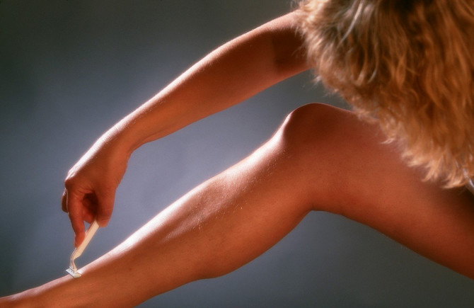 Mnoge žene imaju JAGODASTE NOGE i zbog toga se STIDE da NOSE SUKNJE