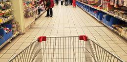 Przepychanki w supermarkecie. Poszło o cukier. FILM