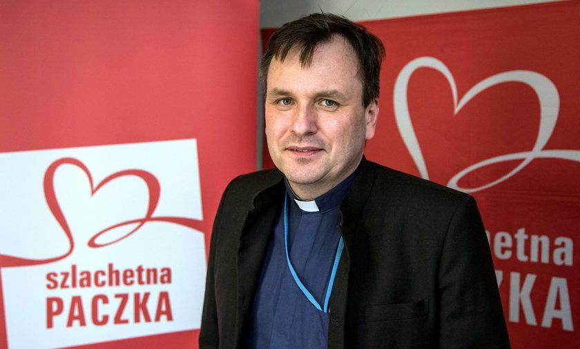 Ks. Grzegorz Babiarz nie jest już Wiosny. Joanna Sadzik wróciła na stanowisko