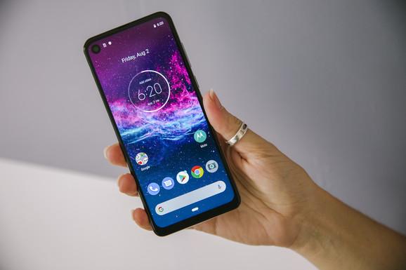 "Android vest Akciona kamera na telefonu i to ispod 300 evra - Motorola One Action na testu ""Blica"""