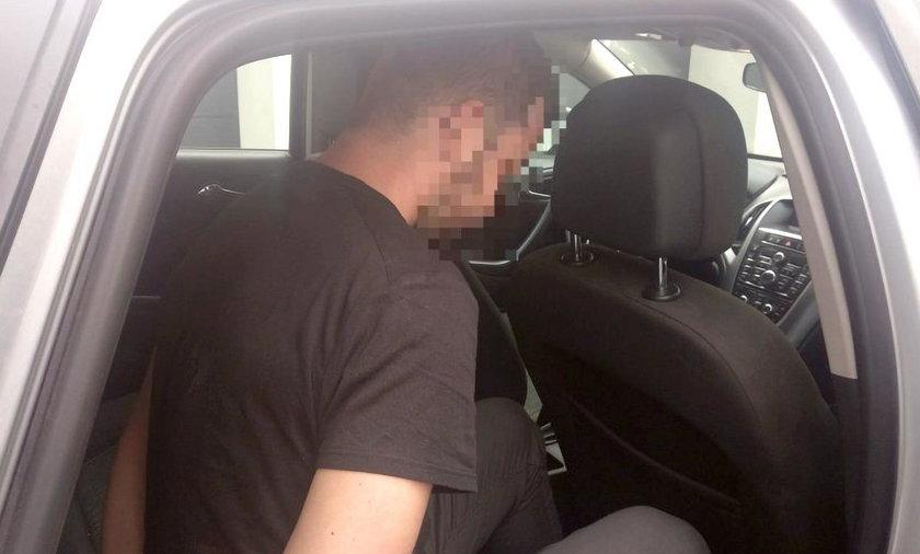 Amant z Krakowa polował na łatwowierne ofiary w sieci : Rozkochał i okradł