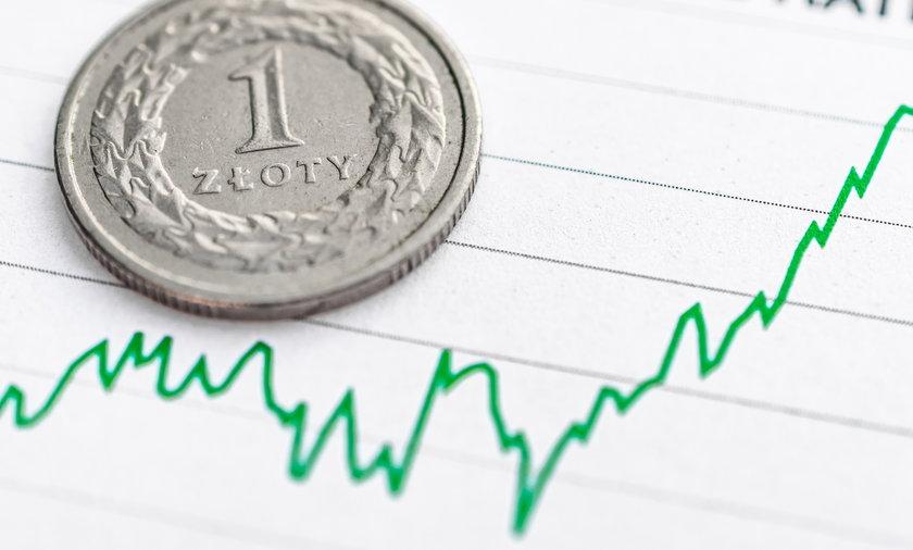 W czerwcu płace Polaków były wyższe o prawie 10 procent w porównaniu do zeszłego roku. Kto dostał podwyżkę?
