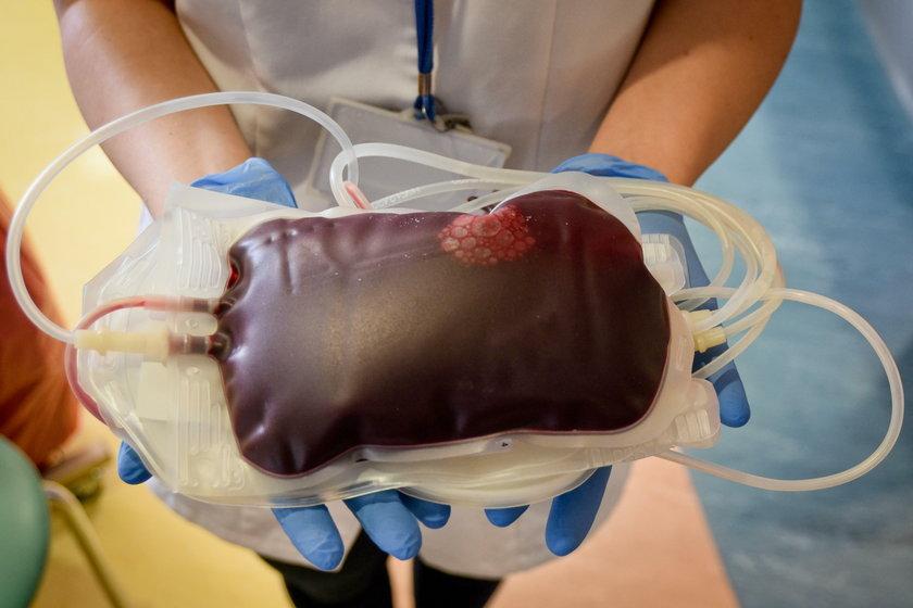 Krew jest na wagę życia.