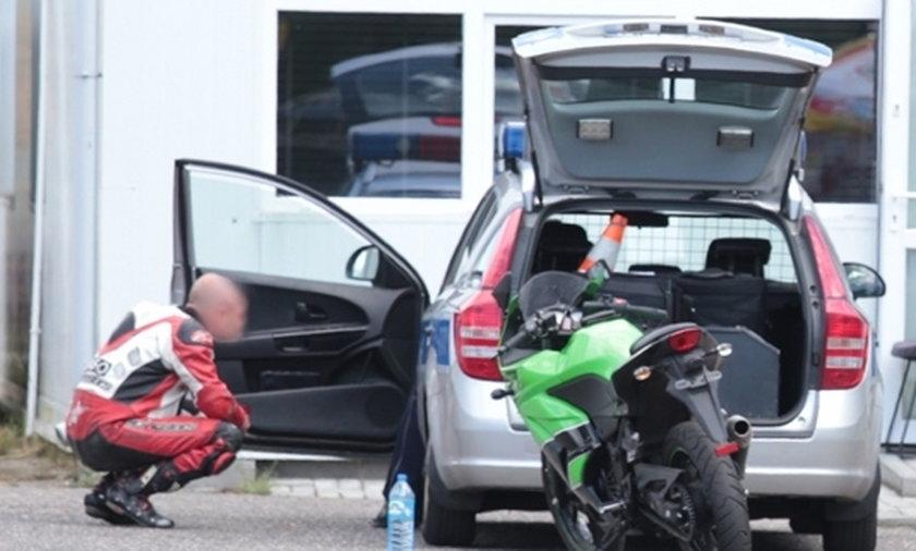Wypadek na torze w Kisielinie. Motocykl staranował mężczyznę