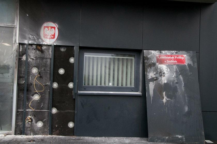 Koktajle Mołotowa poleciały na komisariat policji. 45-latek zatrzymany