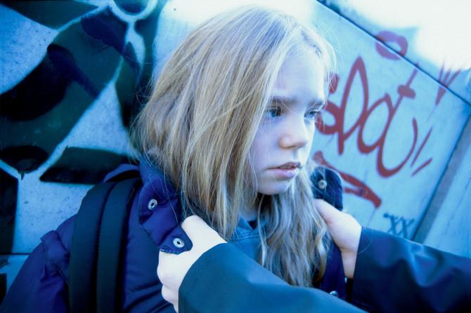 Postoji više znakova koji ukazuju da li dete trpi vršnjačko nasilje