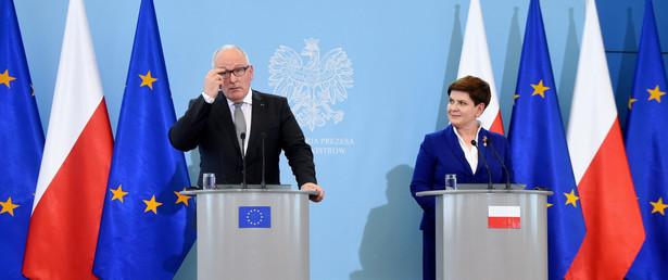 Premier Beata Szydło i pierwszy wiceprzewodniczący Komisji Europejskiej Frans Timmermans