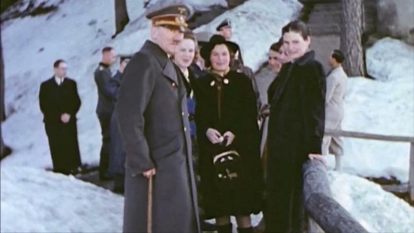 Magda Schneider (w środku) u Adolfa Hitlera