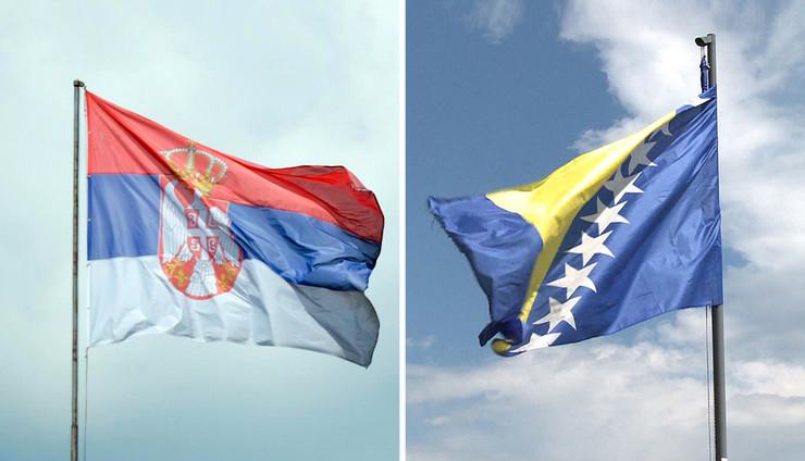 srbija bosna01 zastave kombo pokrivalica foto RAS Srbija V. Zivojinovic Wikipedia Marcus Marschalek