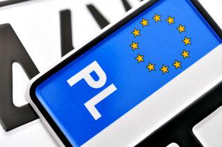Rejestracja auta krok po kroku. Sprawdź, jakie dokumenty należy przygotować