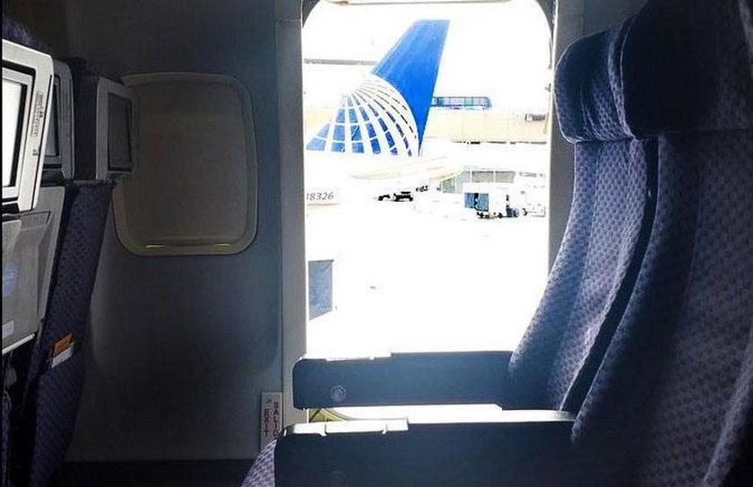 Pasażerka wyskoczyła z samolotu
