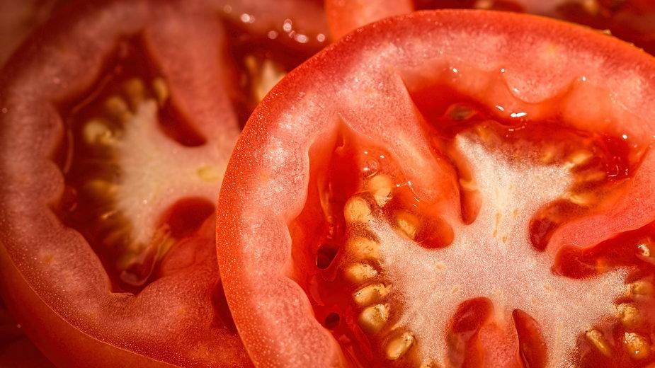 Przetwory z pomidorów są smaczne i zdrowe - stevepb/pixabay.com