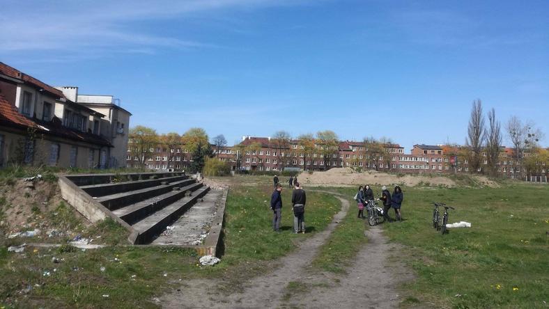 Jeszcze kilkanaście lat temu w tym miejscu Wrzeszcza było duże, zadbane boisko