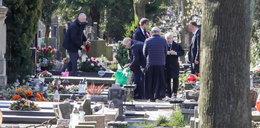 Kuria wyjaśnia, dlaczego Kaczyński wjechał na cmentarz