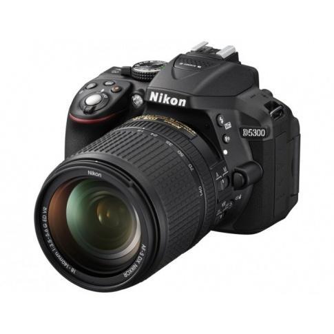 Nikon D5300 z obiektywem 18-140 VR