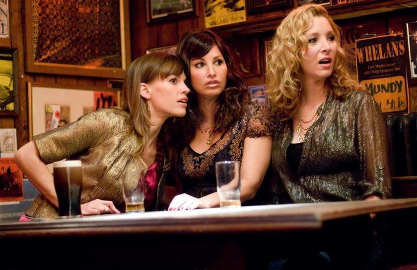 """Lisa Kudrow, czyli słynna Phoebe z """"Przyjaciół"""" opowie o swojej rodzinie w trzecim odcinek """"Sekretów rodzinnych gwiazd"""" na FOX Life"""