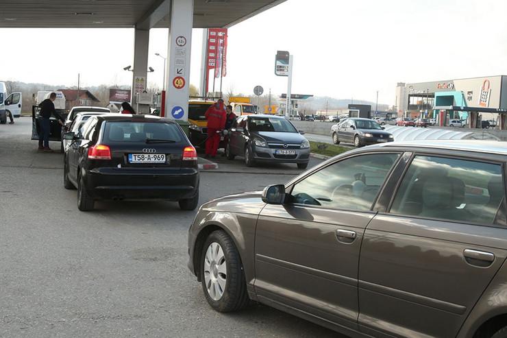 benzinska gorivo slavuljica prnjavor