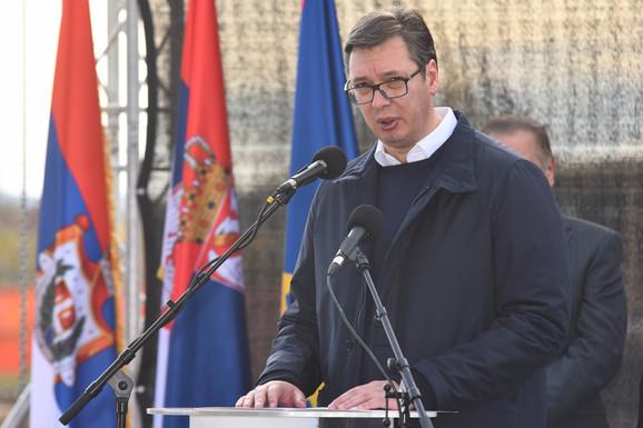 Vučić na postavljanju kamena temeljca za novu zgradu RTV