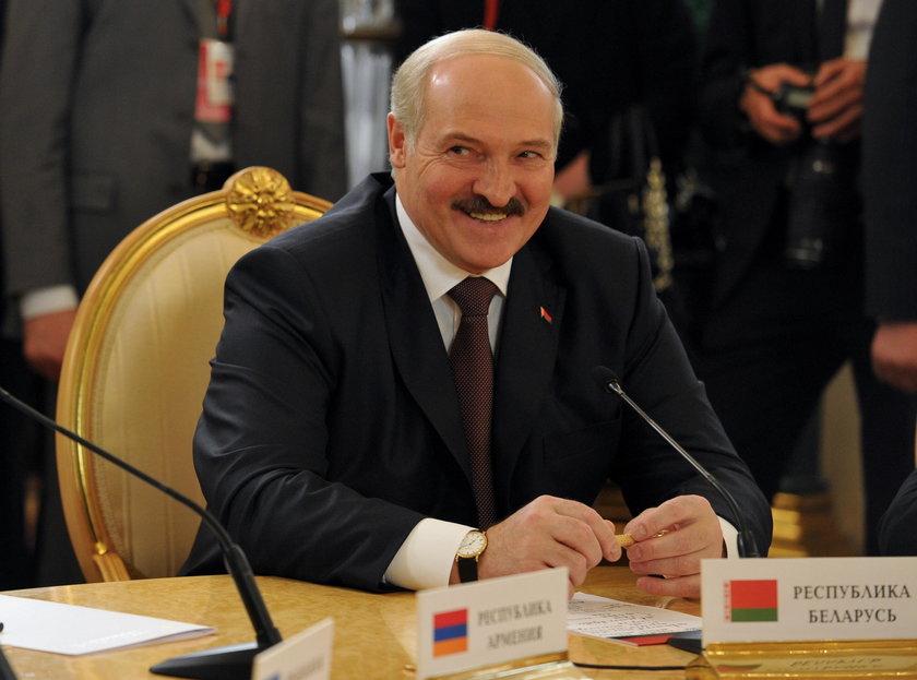 Waszczykowski przyznaje: Biełsat to cena za zbliżenie z Łukaszenką