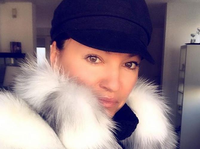 Nina je OVAJ KAPUT nosila u oktobru, a tek sada ga je prošetala NAJMOĆNIJA i najbolje obučena žena na svetu! Šta bi dali da ga imamo!