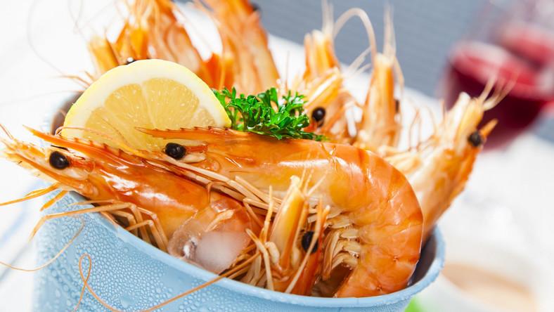 Jamie Olivier zachęca do ograniczenia ilości mięsa w diecie do dwóch porcji w tygodniu oraz zjadania najbardziej kalorycznych posiłków w pierwszej połowie dnia. Wymienia też 14 produktów, które powinny pojawiać się w codziennym menu