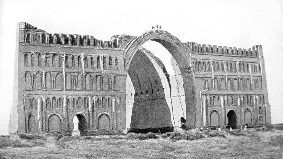 Ruiny zimowego pałacu w mieście Ktezyfon - domena publiczna