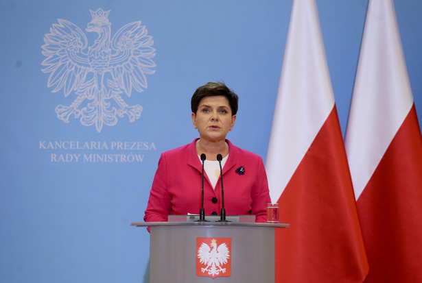 Premier Beata Szydło w KPRM podczas konferencji prasowej dotyczącej dwudniowego posiedzenia Rady Ministrów i rekonstrukcji rządu.