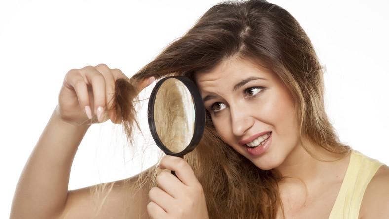 Co najbardziej niszczy włosy?