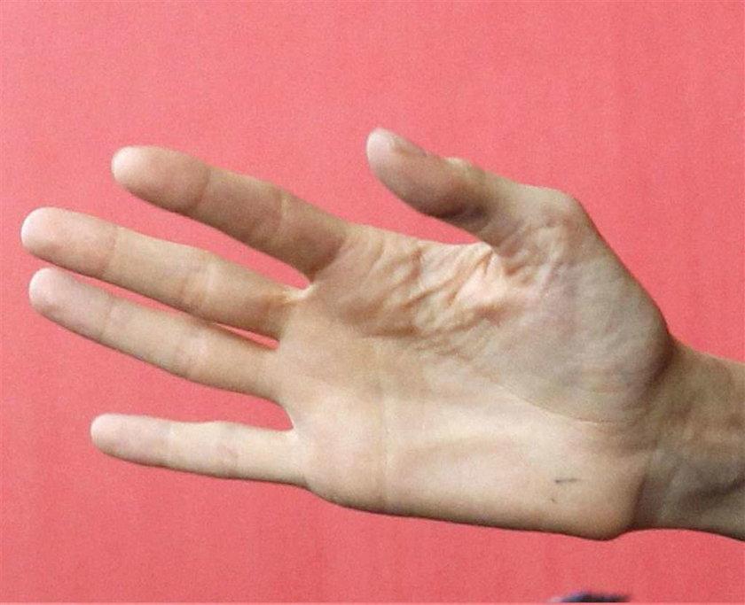 Straszna dłoń pięknej gwiazdy. Której?
