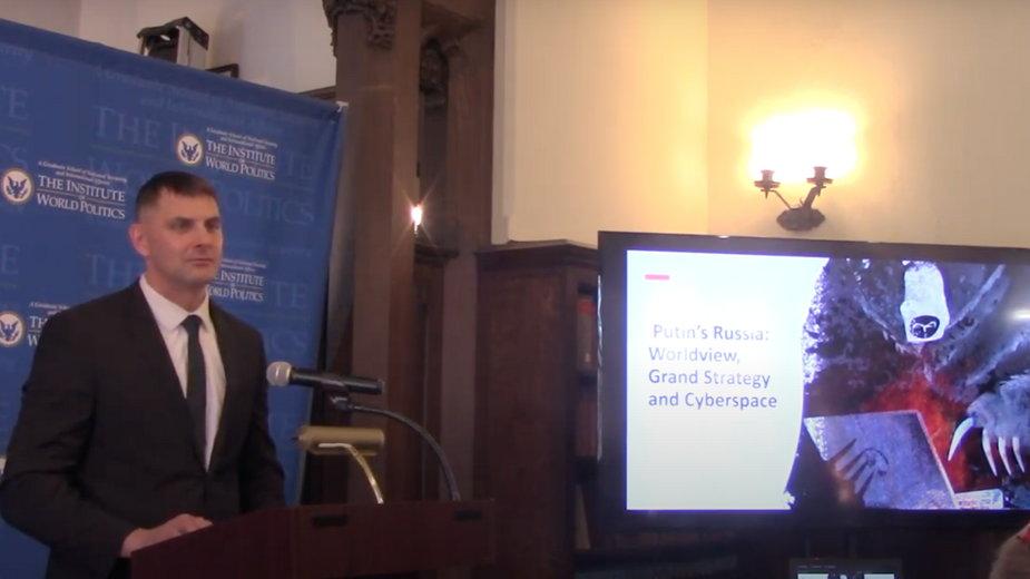 Peter Debbins podczas wykładu w IWP w Waszyngtonie, styczeń 2020 r.