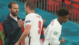 England manager Gareth Southgate (left) replaced Harry Kane (centre) in a disappointing 0-0 draw against Scotland Creator: CARL RECINE